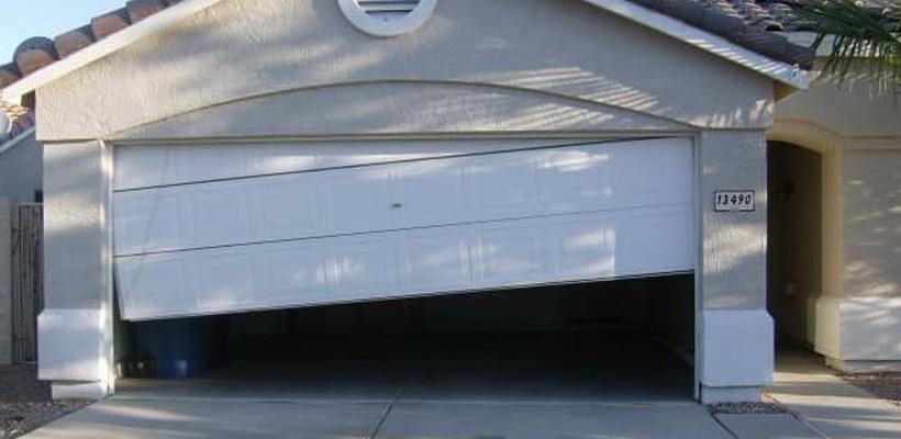 Telltale Signs Of An Unbalanced Garage Door