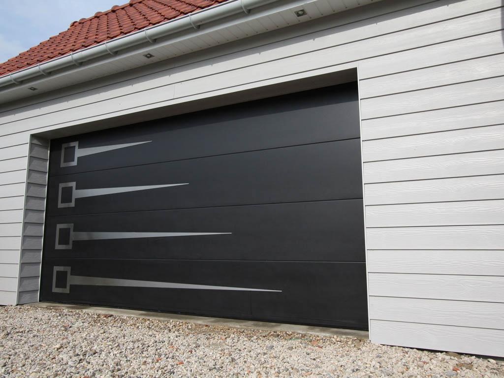 aluminum garage door repair Hamilton ON